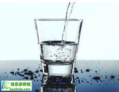 <b>每天要喝多少水,喝什么样的水好</b>